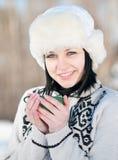 Adolescente con la taza de te caliente Imagen de archivo