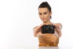Adolescente con las cámaras digitales Imagenes de archivo