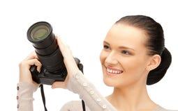 Adolescente con las cámaras digitales Fotos de archivo libres de regalías