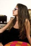 Adolescente con las gafas de sol Fotos de archivo