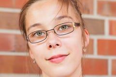 Adolescente con las lentes Fotografía de archivo