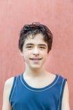Adolescente con las paréntesis Foto de archivo libre de regalías