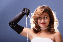 Adolescente con las perlas Foto de archivo