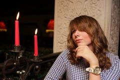 Adolescente con las velas Foto de archivo libre de regalías