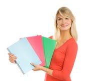 Adolescente con los cuadernos Fotos de archivo