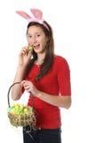Adolescente con los huevos de Pascua Imagenes de archivo