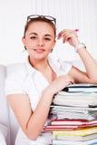 Adolescente con los libros de textos Foto de archivo libre de regalías