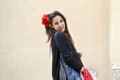 Adolescente con los panieres Imagen de archivo libre de regalías