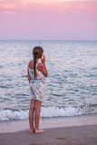 Adolescente con Seashel Foto de archivo