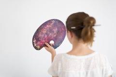 Adolescente con su paleta de la pintura al aceite Imágenes de archivo libres de regalías