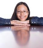 Adolescente con su reflexión II de la cara Imágenes de archivo libres de regalías