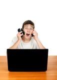 Adolescente con tres teléfonos móviles Fotografía de archivo libre de regalías