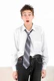 Adolescente dado una sacudida eléctrica Foto de archivo