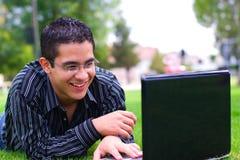 Adolescente de la computadora portátil Fotos de archivo