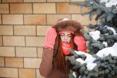 Adolescente de la muchacha en invierno Imagen de archivo libre de regalías