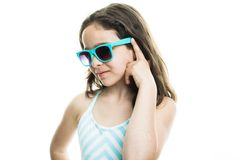 Adolescente de la muchacha que lleva en verano Fotos de archivo