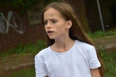 Adolescente de mirada crítico Foto de archivo libre de regalías