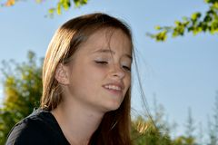 Adolescente de mirada triste Fotografía de archivo libre de regalías