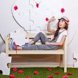 Adolescente de moda con un teléfono celular Selfie Fotos de archivo libres de regalías