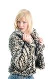 Adolescente de moda en abrigo de pieles Fotografía de archivo
