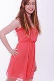 Adolescente de moda sonriente con extensiones del pelo Fotos de archivo