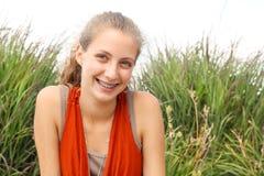 Adolescente de Smilng Imagen de archivo libre de regalías