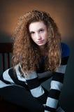 Adolescente del pelo rizado Fotos de archivo libres de regalías