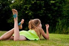 adolescente del picknick Fotografie Stock Libere da Diritti