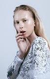 Adolescente depressioned problema con la nariz de la sangría Fotografía de archivo libre de regalías