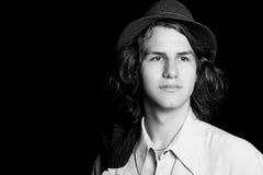 Adolescente desgastando un sombrero Foto de archivo