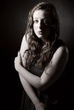 Adolescente dirigido rojo atractivo Foto de archivo libre de regalías