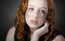 Adolescente dirigido rojo atractivo Imágenes de archivo libres de regalías