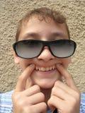 Adolescente divertido sonriente Imagen de archivo