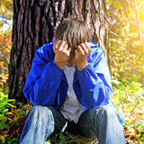 Adolescente doloroso exterior Foto de Stock Royalty Free
