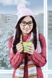 Adolescente dulce que sonríe en la cámara Fotografía de archivo