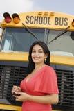 Adolescente en autobús escolar Foto de archivo libre de regalías
