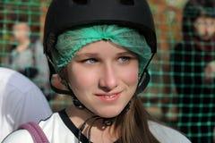 Adolescente en casco Imagen de archivo