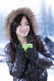 Adolescente en día nevoso Foto de archivo libre de regalías