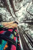 Adolescente en el bosque Imagen de archivo