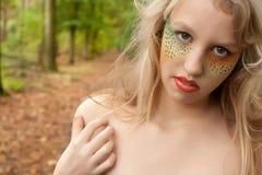 Adolescente en el bosque Imagenes de archivo