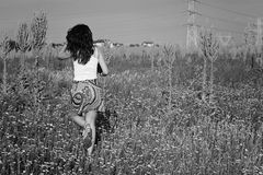 Adolescente en el campo Imagenes de archivo