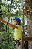 Adolescente en el parkour de la cuerda Fotografía de archivo libre de regalías