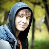Adolescente en el parque Imagen de archivo libre de regalías