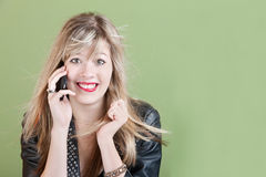 Adolescente en el teléfono Imagen de archivo