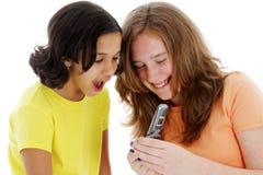 Adolescente en el teléfono celular Foto de archivo