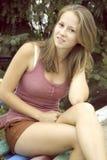 Adolescente en fondo natural Fotografía de archivo
