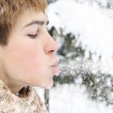 Adolescente en invierno Imágenes de archivo libres de regalías