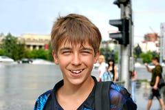 Adolescente en la calle Imagenes de archivo
