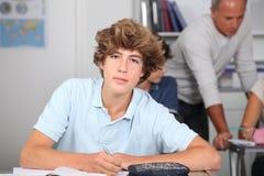Adolescente en la escuela Imágenes de archivo libres de regalías