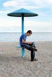Adolescente en la playa Foto de archivo libre de regalías